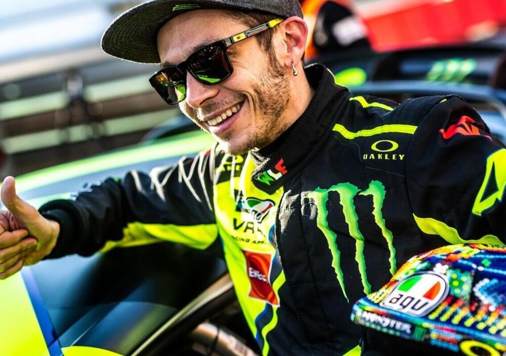 Valentino Rossi annuncia il ritiro